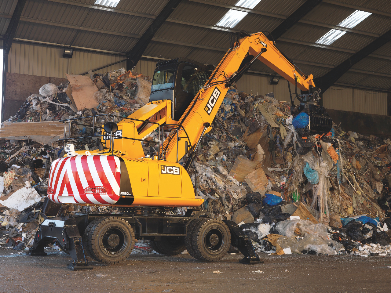 Wastemasters Hire purchase new JCB machines